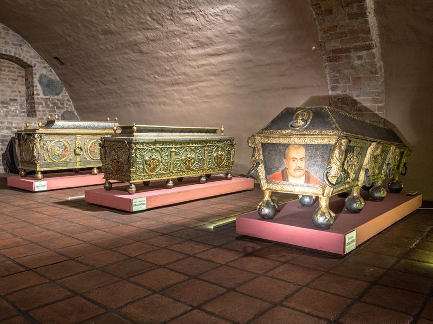 Kolekcja unikatowych XVII-wiecznych sarkofagów wMuzeum Zamek Opalińskich, Sieraków