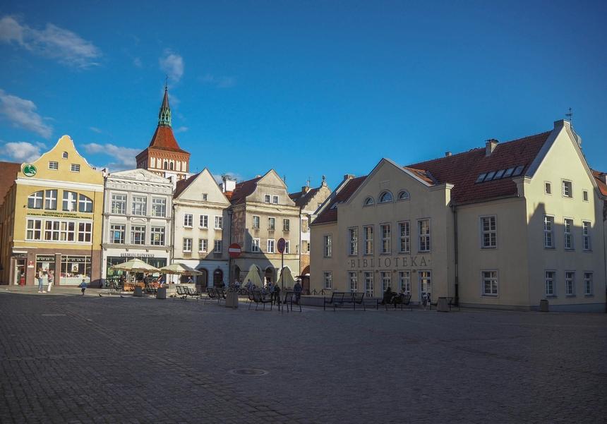 Stary Ratusz orazRynek wOlsztynie