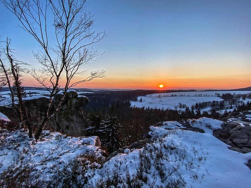 Zimowy zachód słońca naNarożniku - Góry Stołowe
